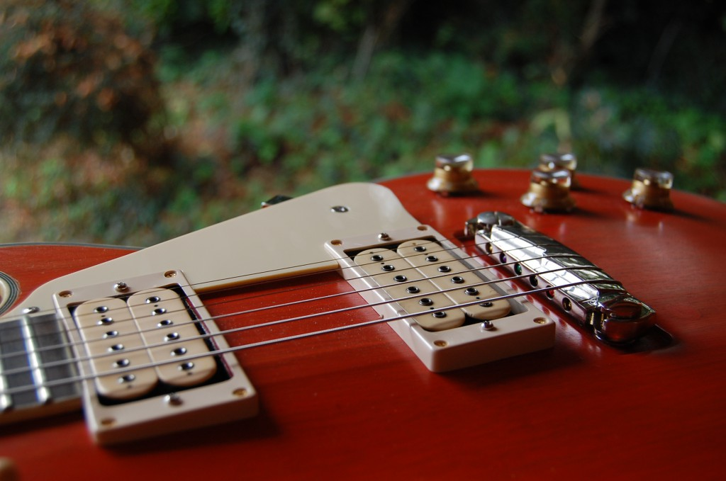 Gotoh humbucker in the front around 11.5K matches the 13K Dimarzio well