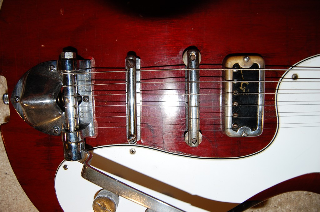 Gretsch pickup 3K ohms.. bet it twangs some!