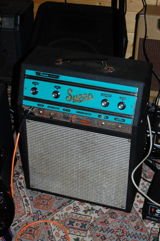 Love this amp! she sounds fantastic especially when taken to distortion! I did not want to give this one back!
