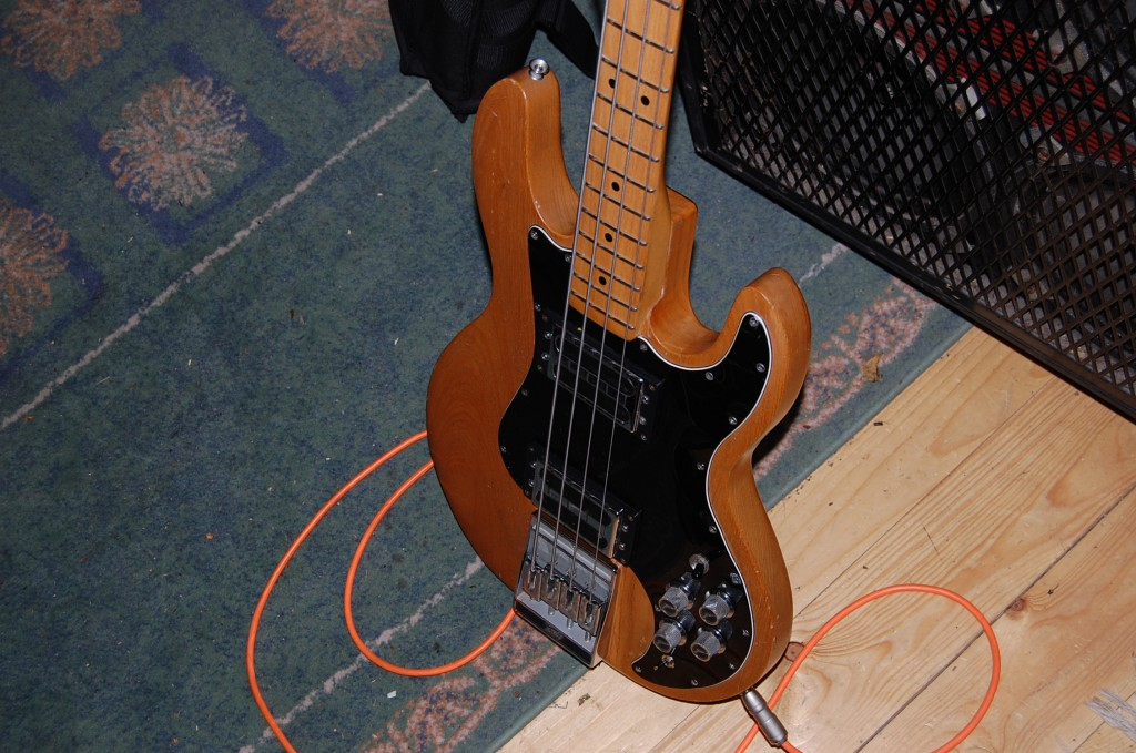 She is one deep sounding bass heavy and strung with flat wounds seel!
