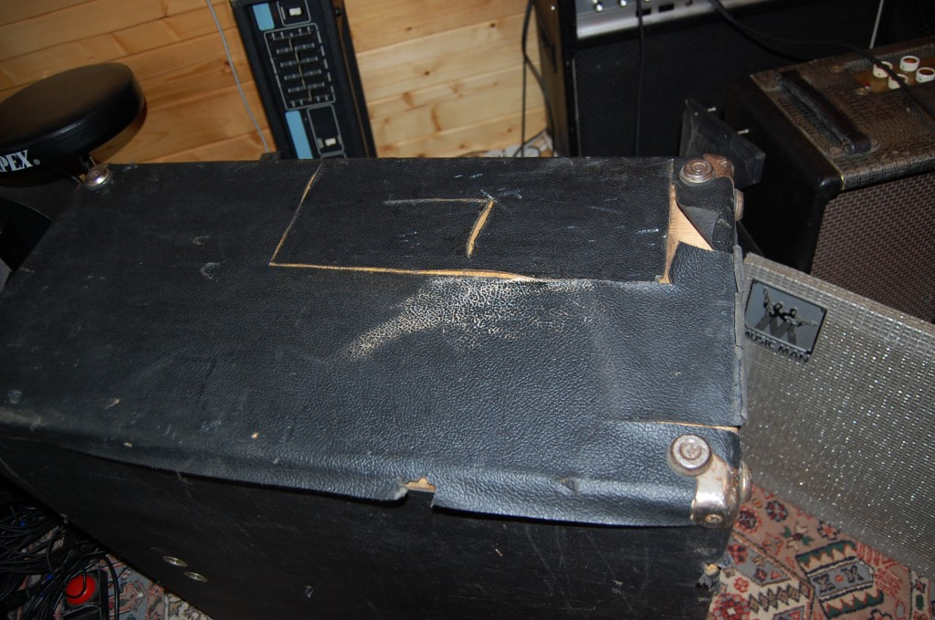 Ooops Tolex a bit sad on one side..