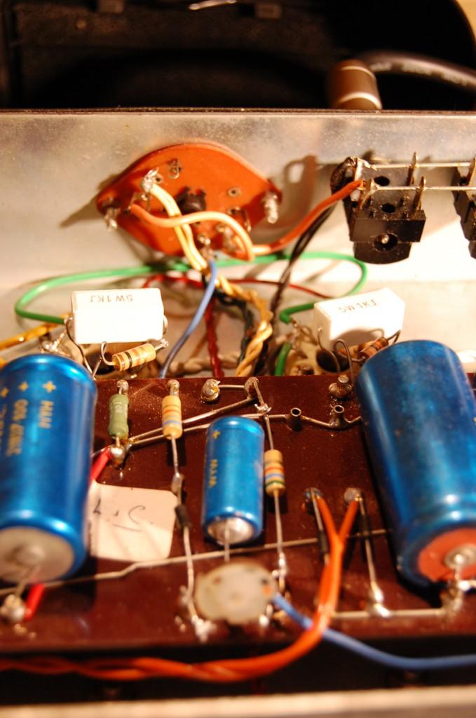 Bias supply now adjustable and 1K screen resistors used