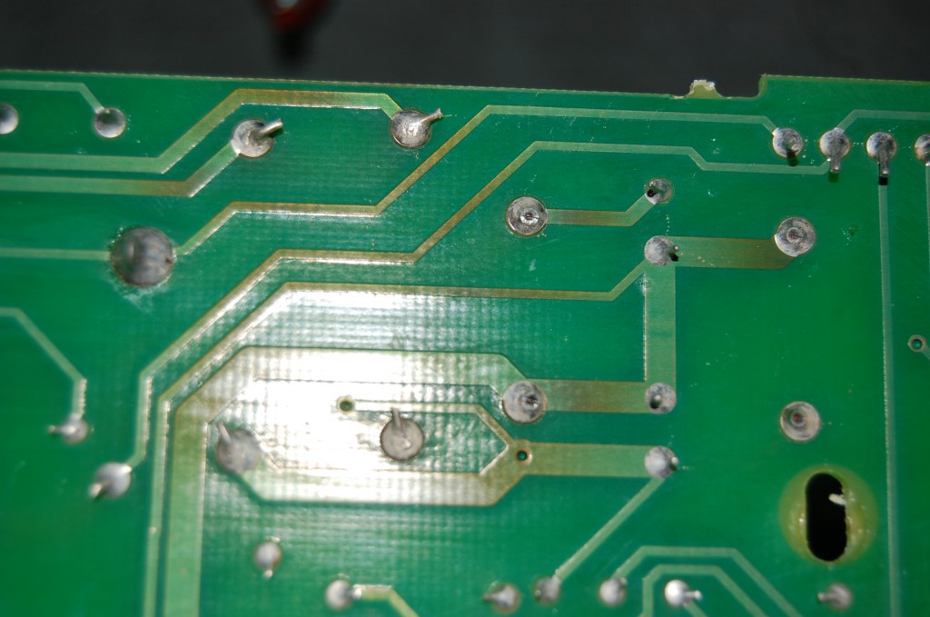 Mmm these solder joints do look like they could be the issue