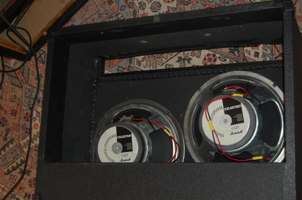 Fitted some nice8 ohm G12T speakers making it a 4 ohn load