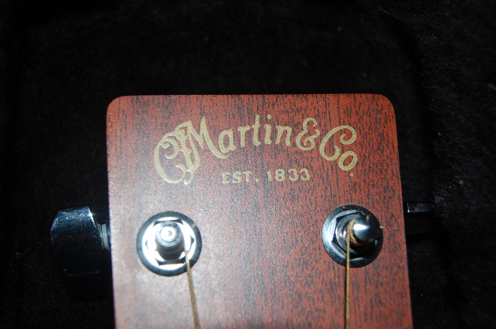 Nice Martin X Series 000X1AE Acoustic on