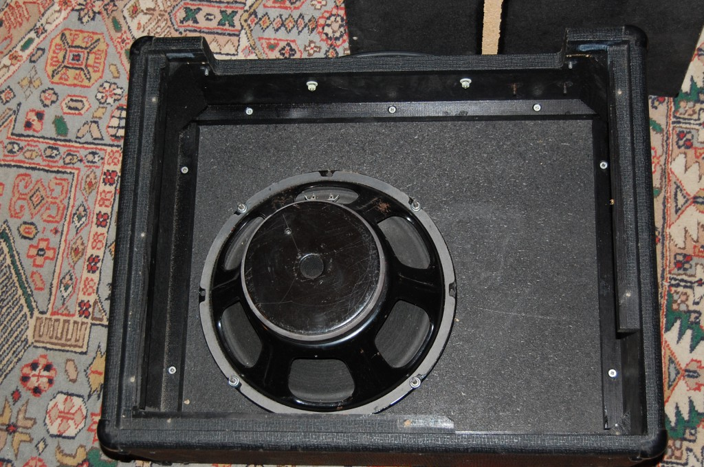 Added an old Emminence 8 ohm speaker (decent sized magent probably 50-100 watts? I know this one sounds good!