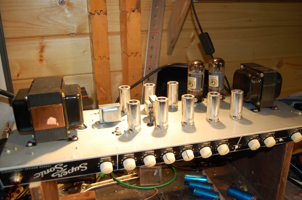 "10 Tubes in an all.. effectively 3 channel, one clean with two voicings and one ""Burn"" channel"