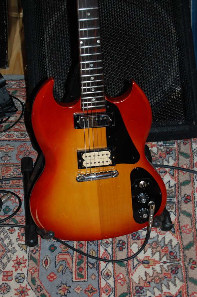 Sounds lovely the dimarizo matches the Mini humbucker well!