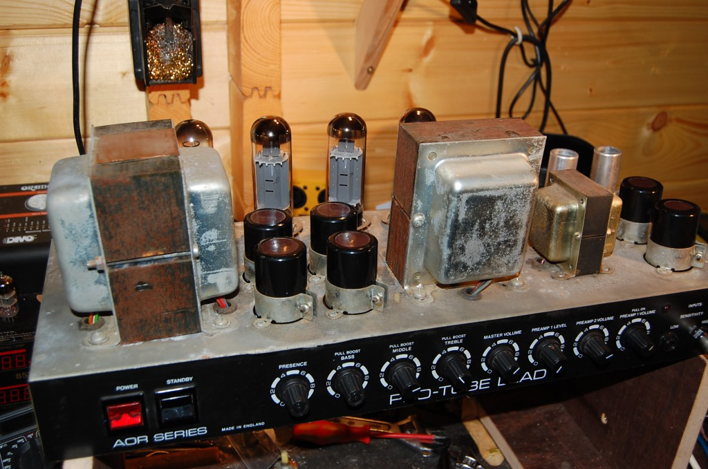 Alll going on the bench and ready to go back in it's case! The Bass boost is really good (and needed this is a real trebly amp!