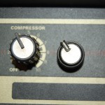 Knobs look similar to the Peavey ones of the time (Peavey on right) but larger